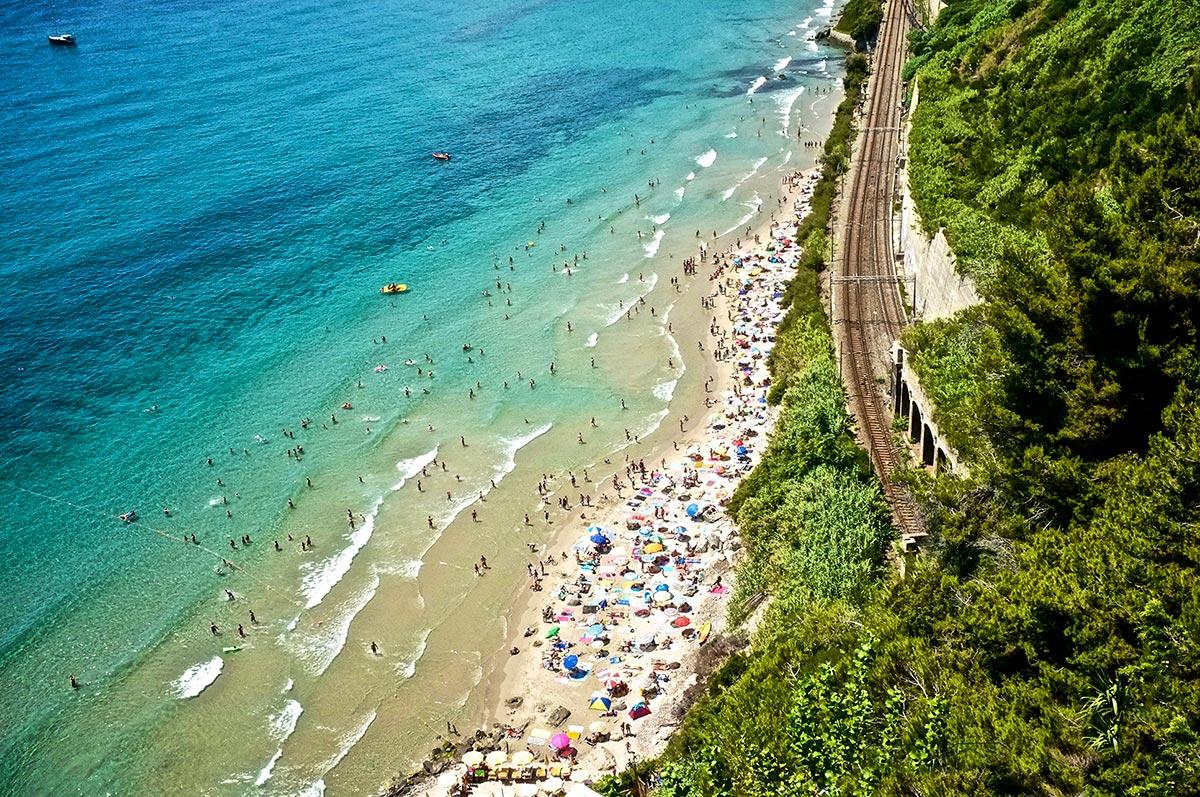 Agriturismo Un Mare di Fiori - Itinerari dall'Agriturismo, la spiaggia delle Calandre