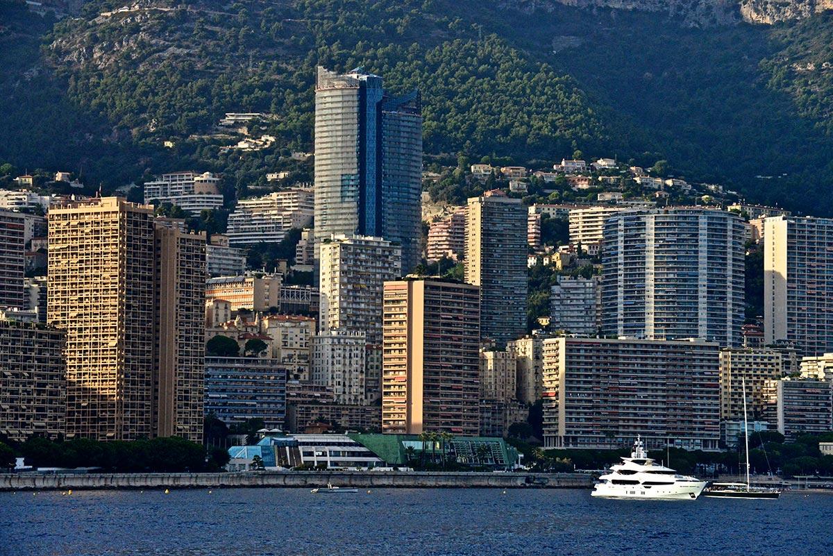 Agriturismo Un Mare di Fiori - Itinerari dall'Agriturismo, Monaco, Montecarlo
